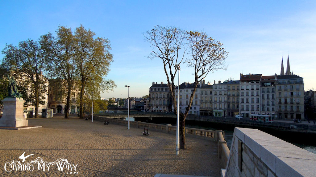 Photo from the seawall across the banks Ardour River in Bayonne, France
