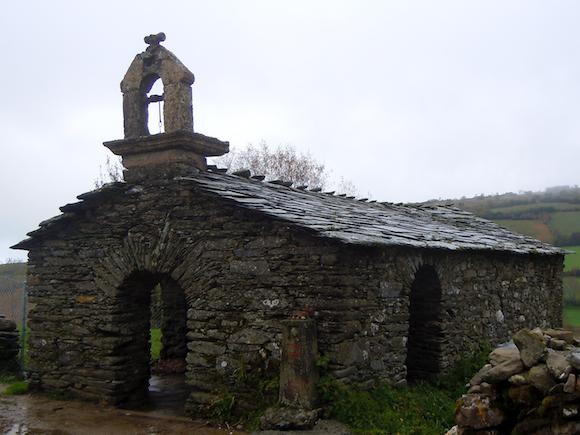 Church Biduedo Galicia, Camino Frances, bell, Gable, stone, rustic