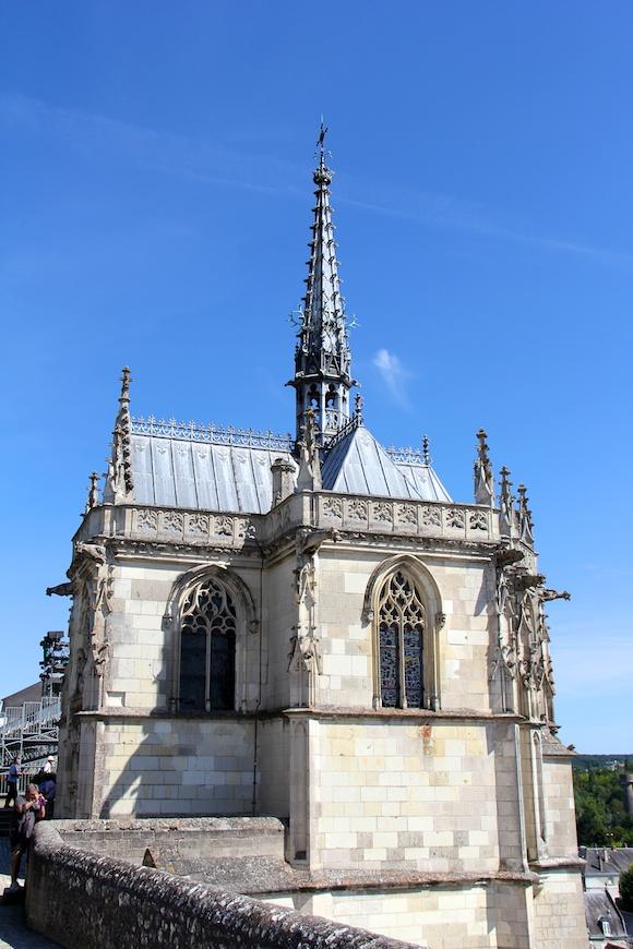 Chapel of Saint-Hubert, spire, blue sky, stone, Leonardo da Vinci
